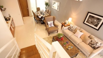 Catya Town House Mahogany Place Acacia Estates (5)
